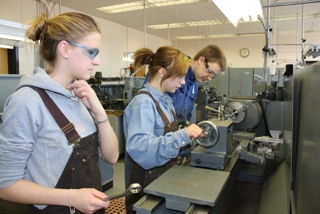 students_at_lathe2