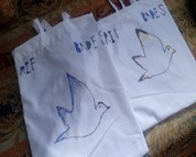 Une photo de sacs réutilisables.